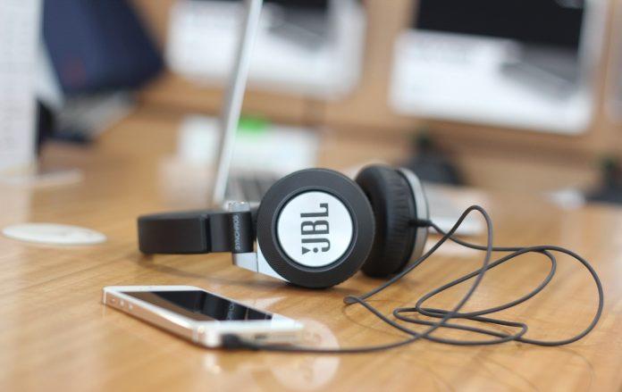 JBL headphones in Nepal