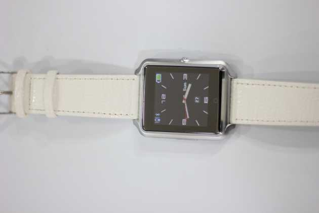 CG iWear smartwatch photo
