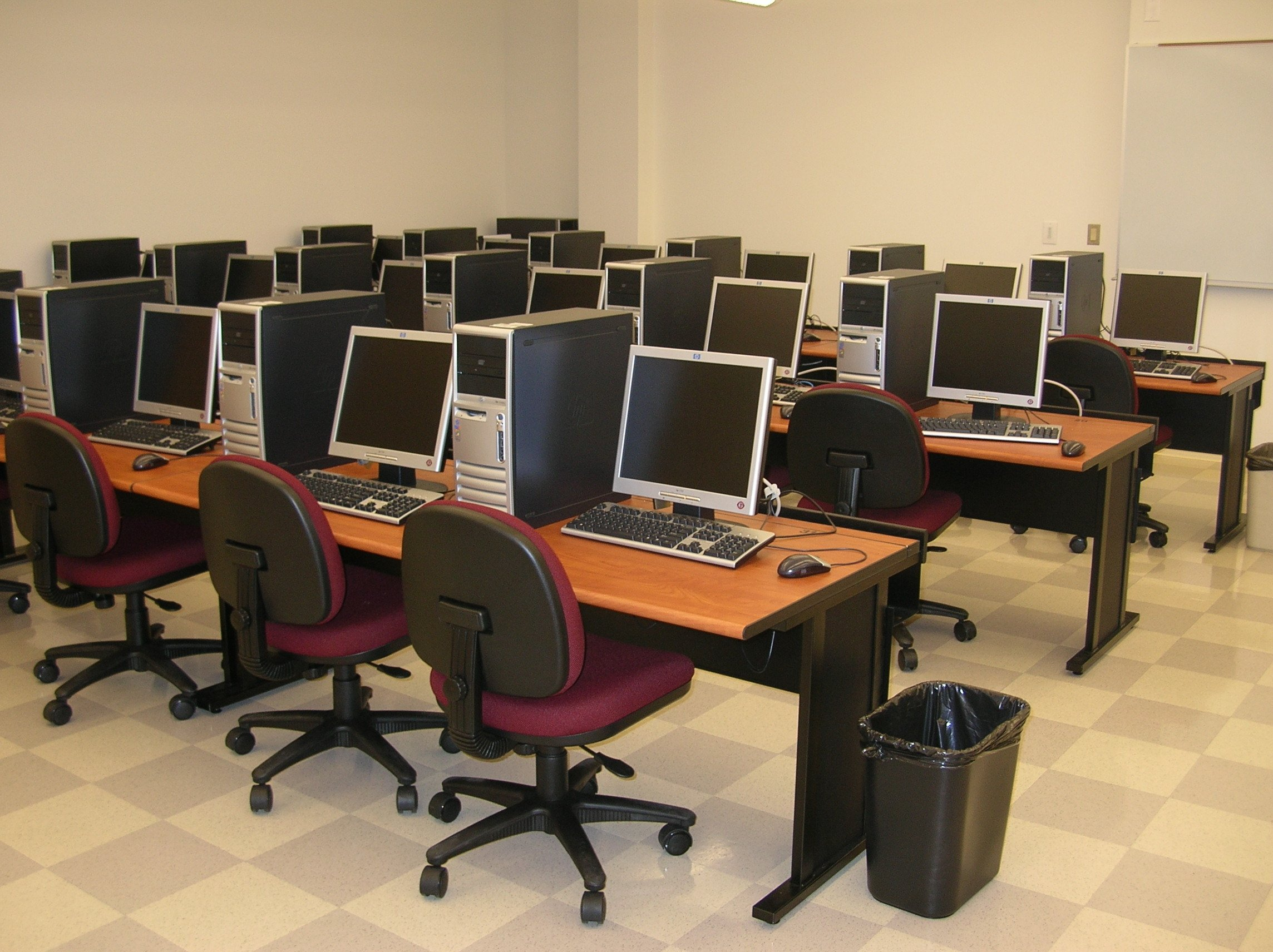 Free internet to community government schools by nta for Computer lab chairs for schools