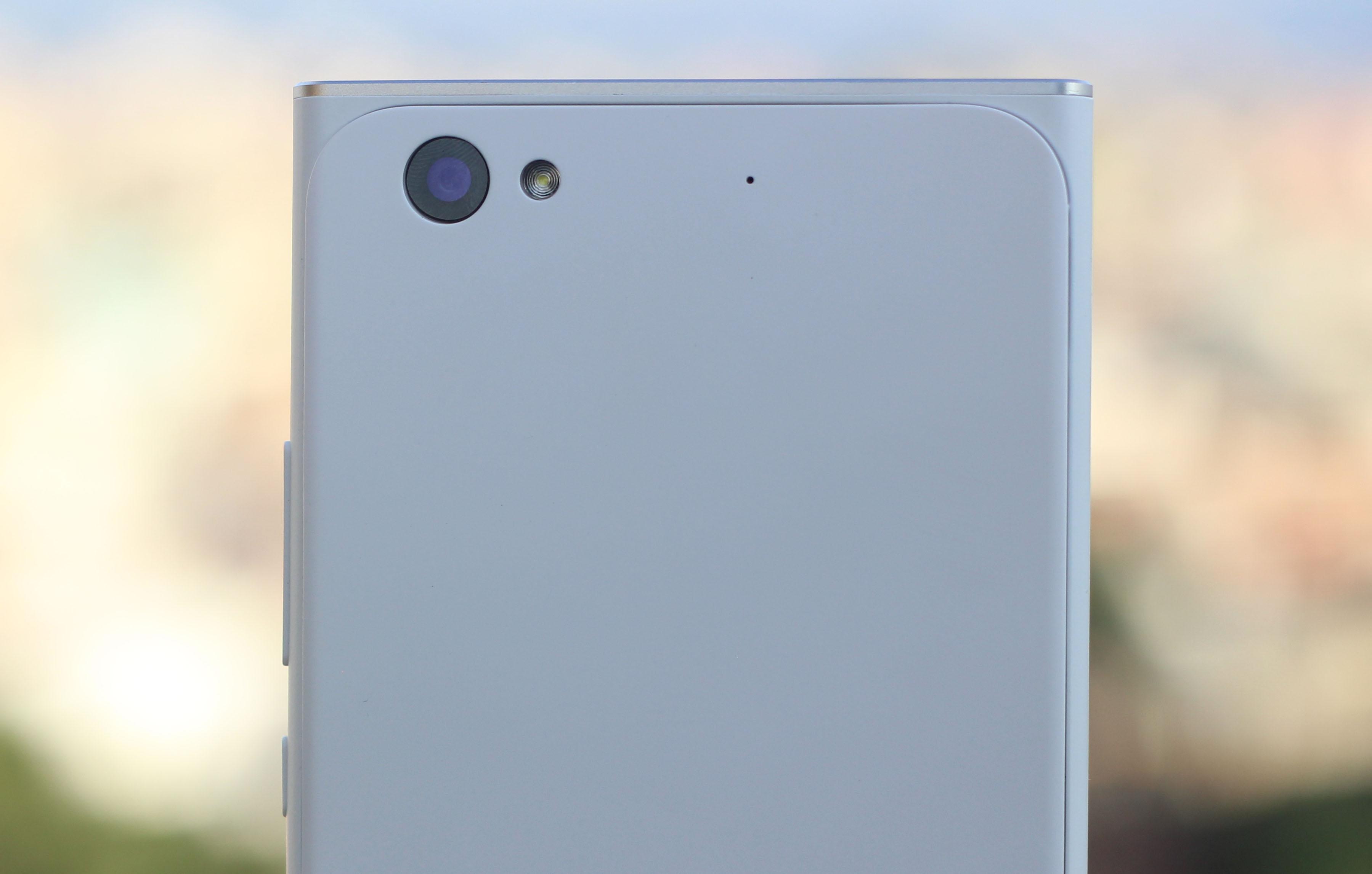 obi-worldphone-mv1-camera