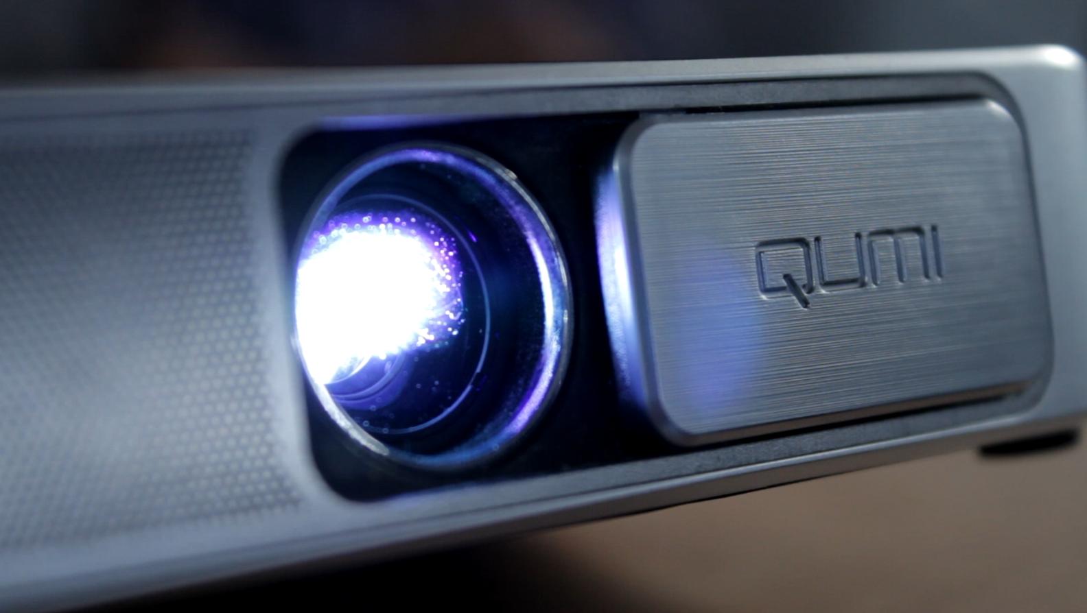 qumi-projector-projection