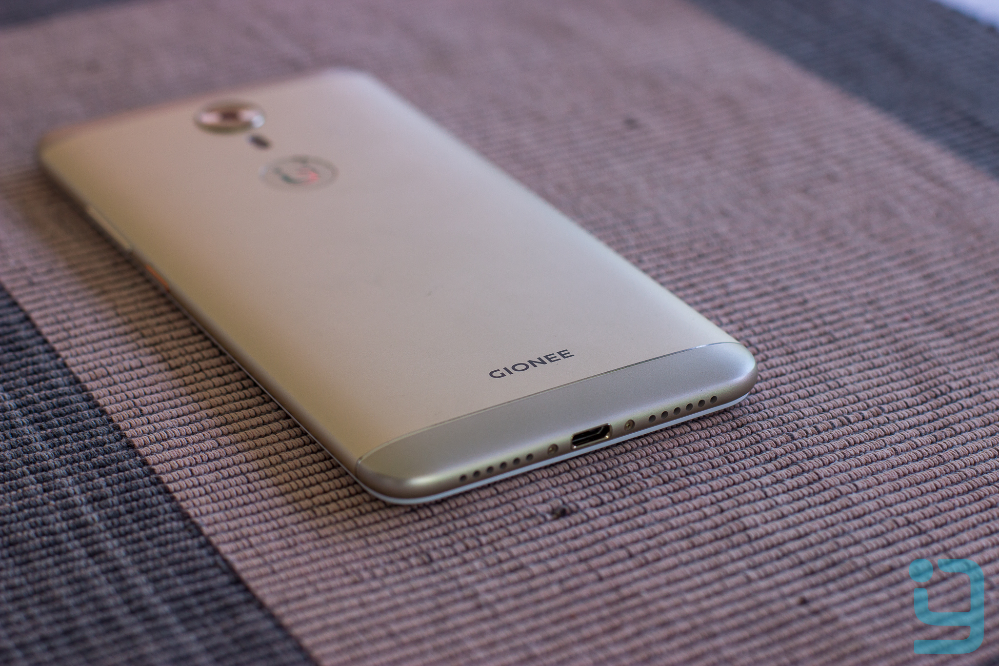 Gionee A1 back view with 4010mAh battery