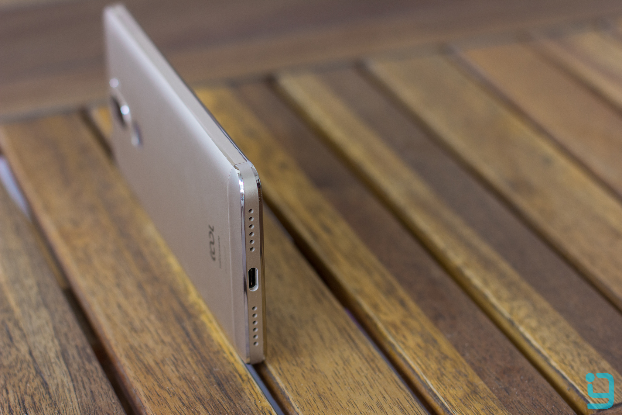 Coolpad Cool1 dual Side View