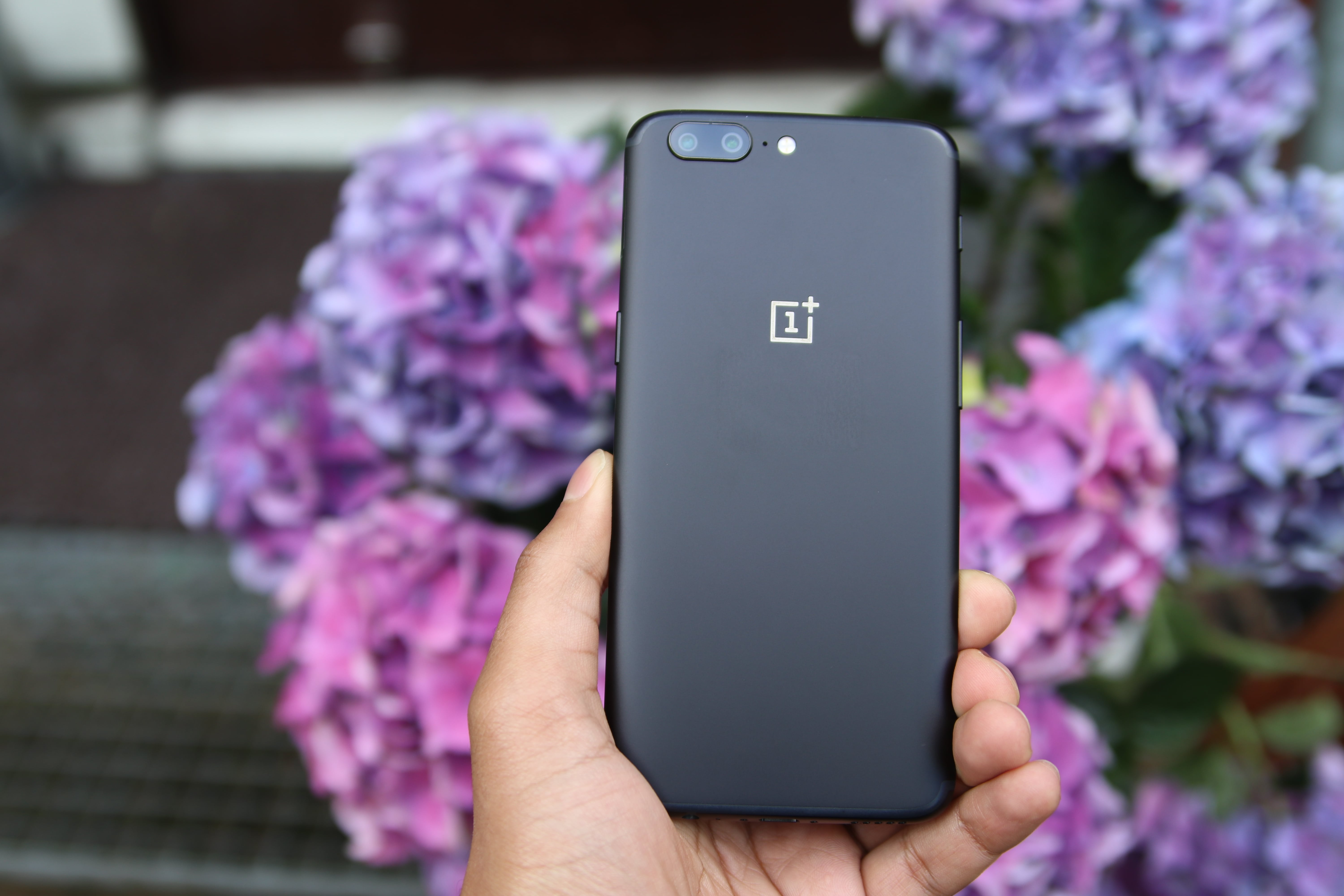 oneplus 5 in nepal price specs where to buy gadgetbyte nepal. Black Bedroom Furniture Sets. Home Design Ideas