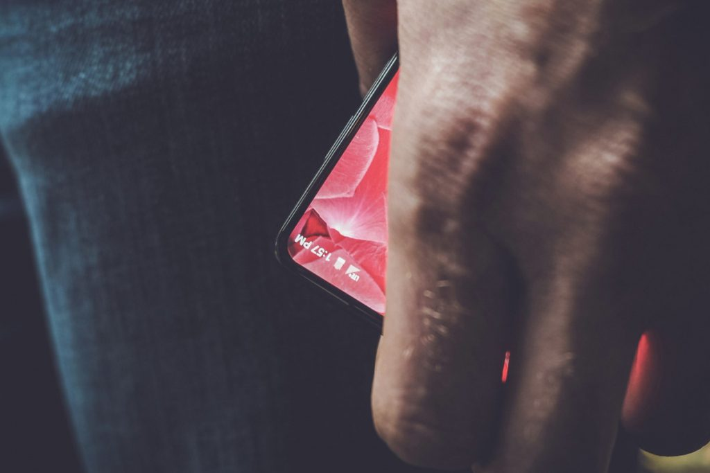 essential phone andy rubin gadgetbyte nepal