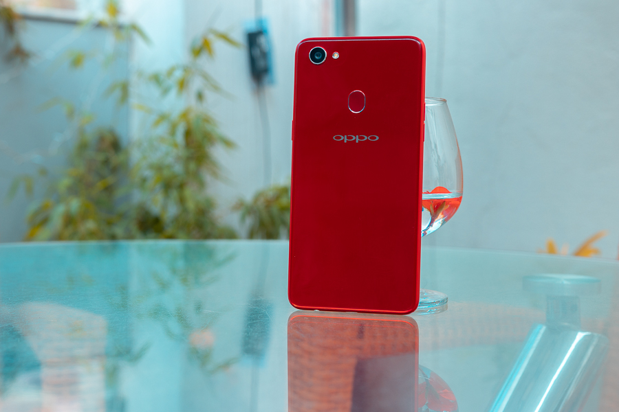 OPPO F7 REVIEW back red version