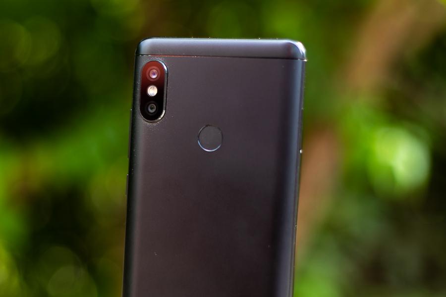 Xiaomi Redmi Note 5 AI Review fingerprint sensor
