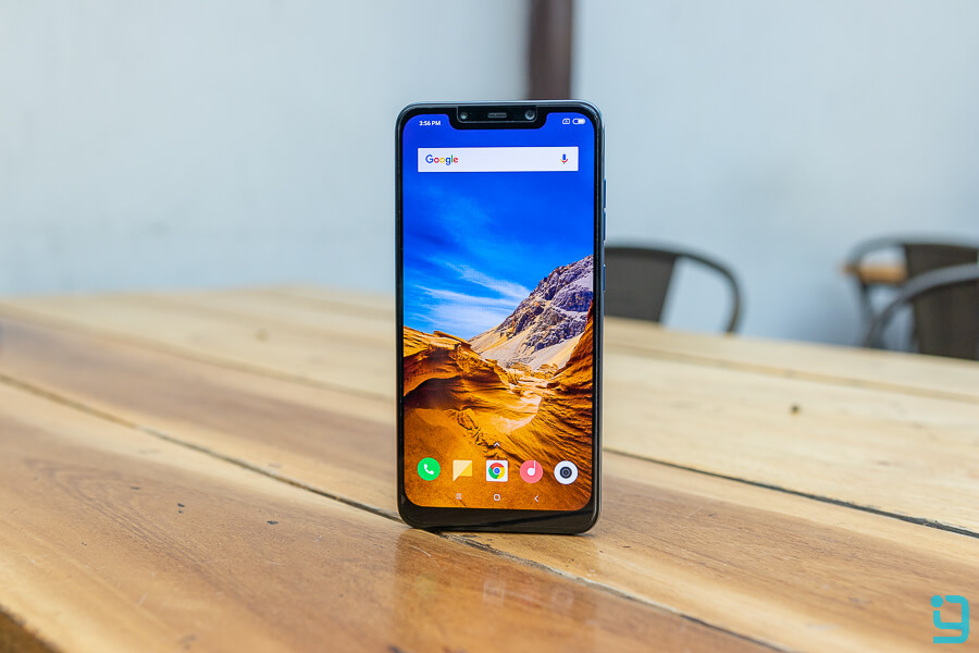 pocophone f1 display