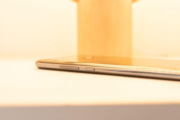 Huawei Y9 2019 SIM tray