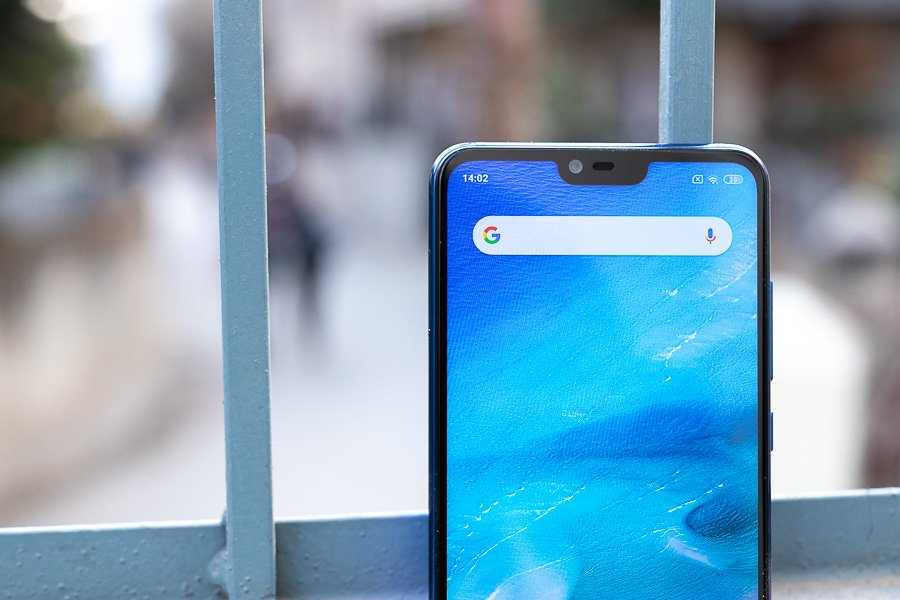 Xiaomi Mi 8 Lite selfie camera and notch