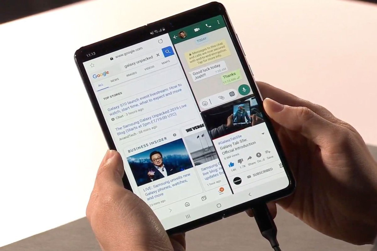 Samsung Galaxy Fold multitasking