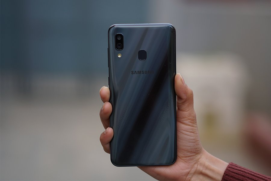 samsung galaxy a30 back