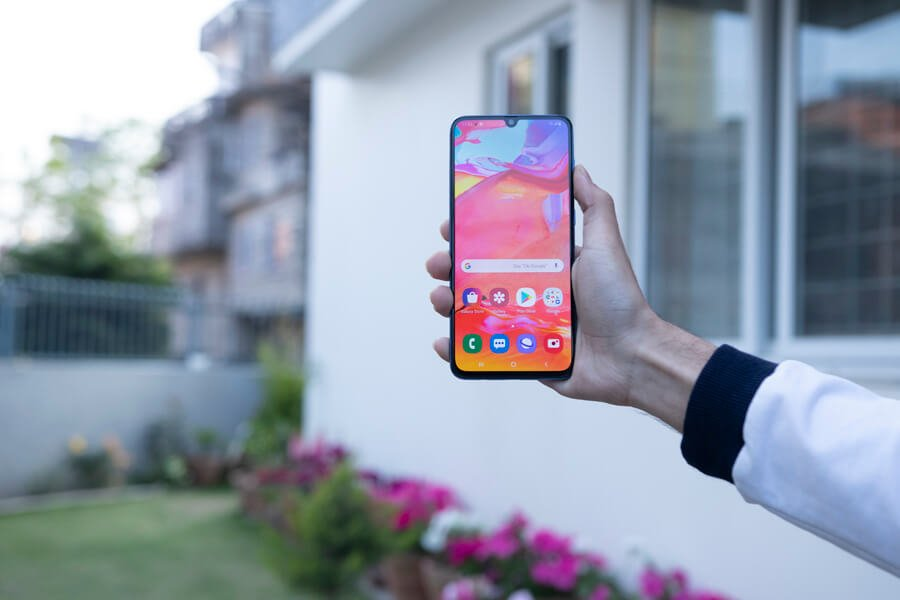 samsung galaxy a70 display