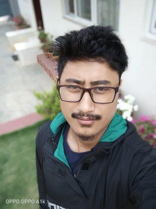 OPPO A1k selfie portrait 1