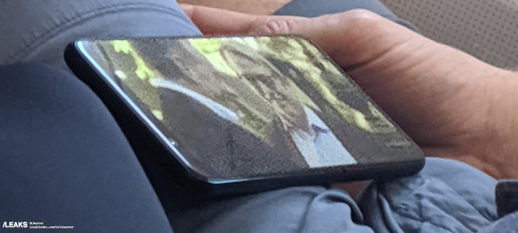 google pixel 4xl spotted on airplane