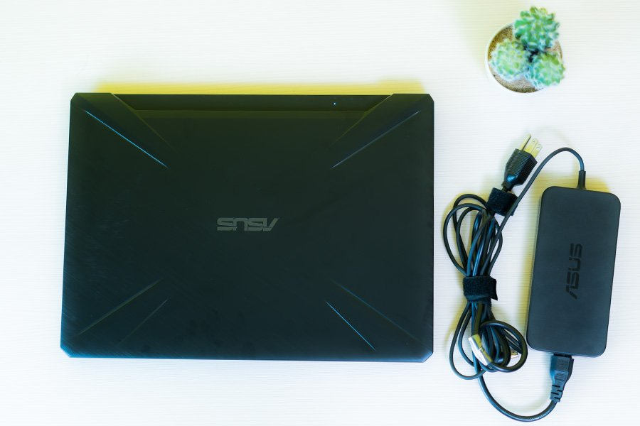 Asus TUF FX505 DD review charger
