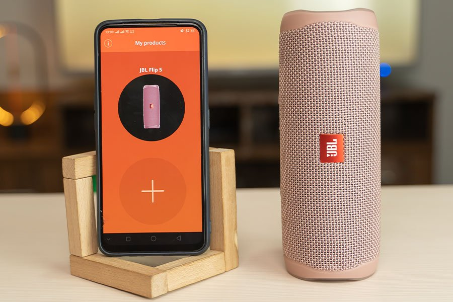 JBL Flip 5 Companion App JBL Connect design pairing