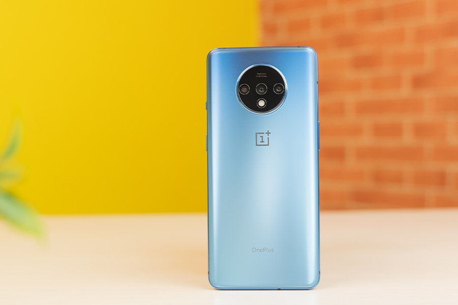 OnePlus 7T Design Back matte blue