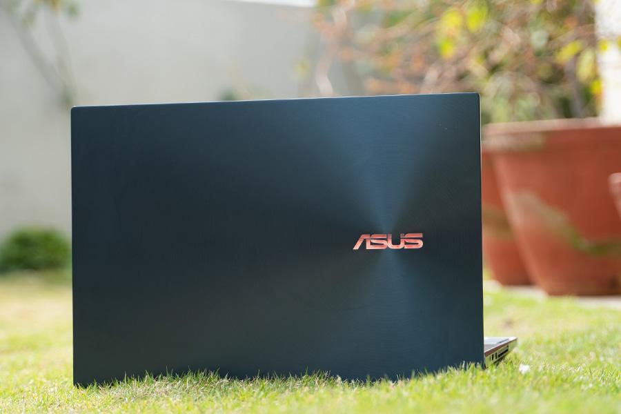 ASUS ZenBook Pro Duo Design 1