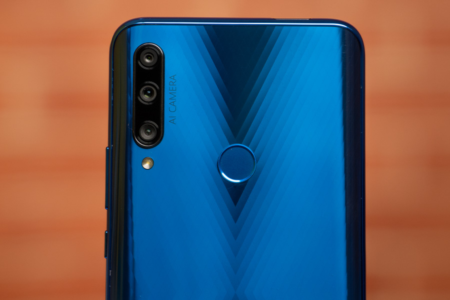 Honor 9X Rear camera & fingerprint scanner