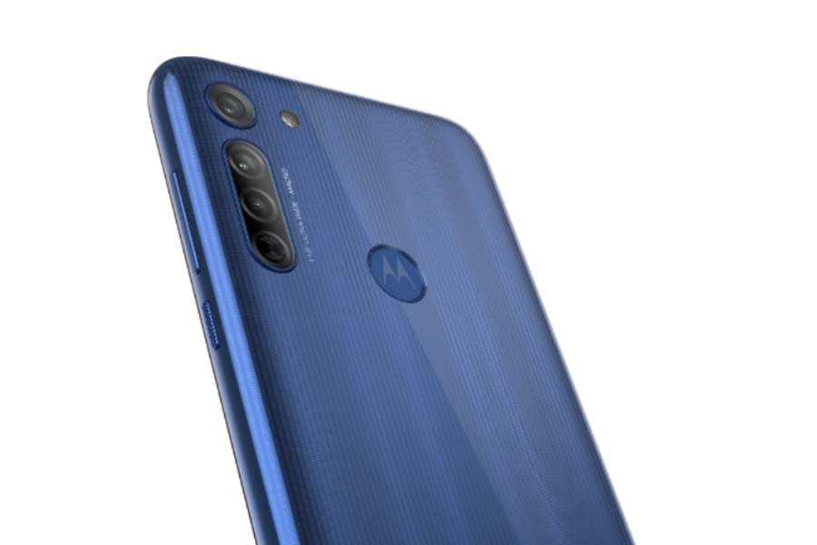 Motorola G8 rear panel camera fingerprint sensor