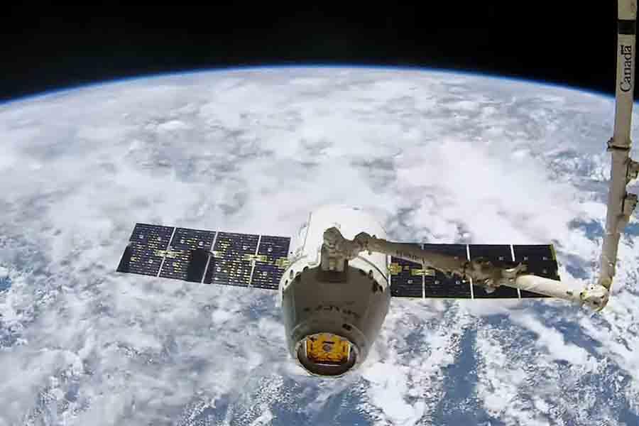 Starlink satellite beta testing elon musk spacex