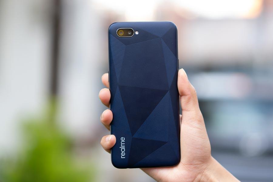realme c2 back design best phones under 15000 nepal