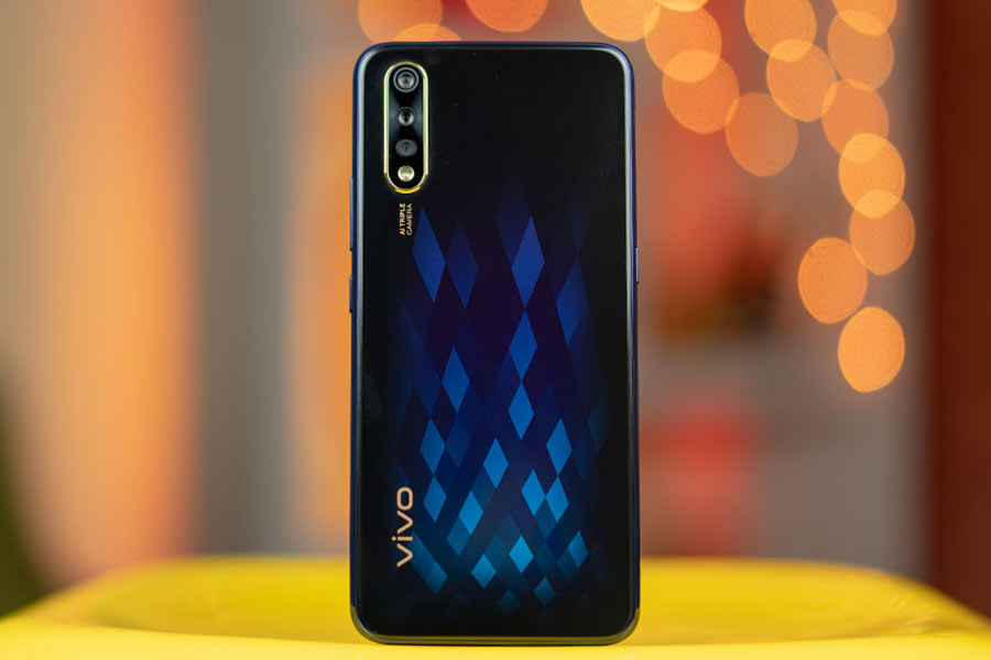 vivo s1 design back