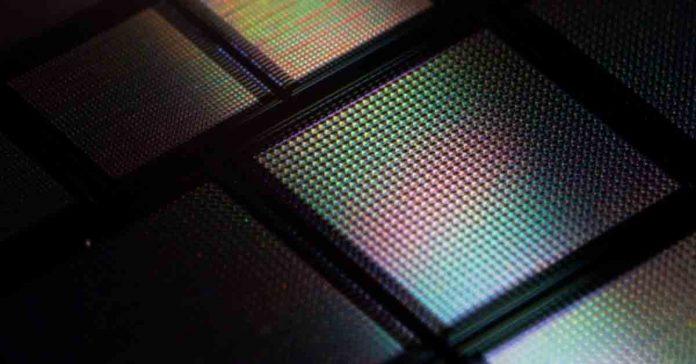 MIT new brain on chip AI memristor neural network