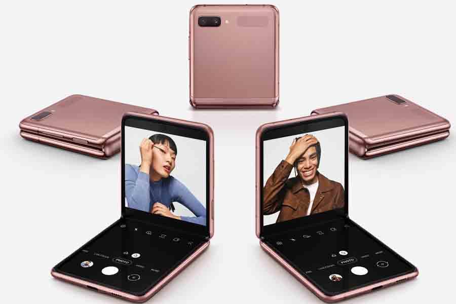 Samsung Galaxy Z Flip 5G Design Clampshell design Snapdragon 865+