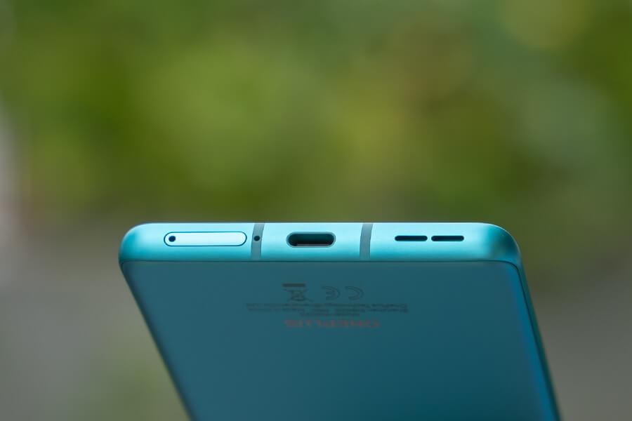 OnePlus 8 Pro - SIM Tray, Type-C, Speaker