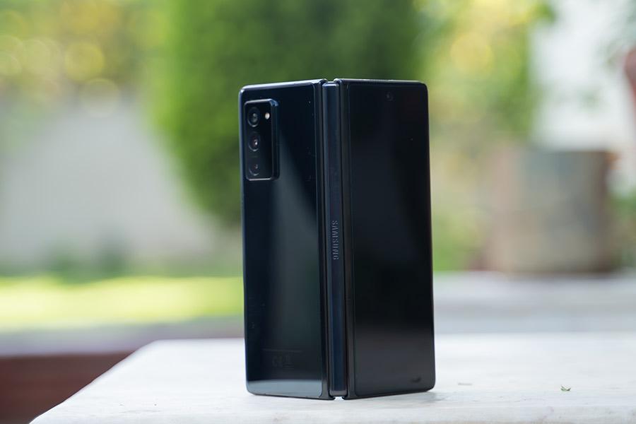 Galaxy Z Fold 2 - Design [1]