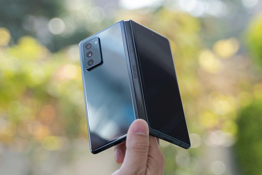 Galaxy Z Fold 2 - Design [2]
