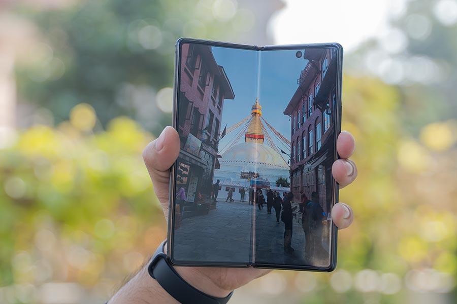 Galaxy Z Fold 2 - Display [2]