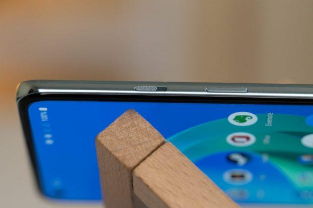 OnePlus 8T - Alert slider, Volume rockers