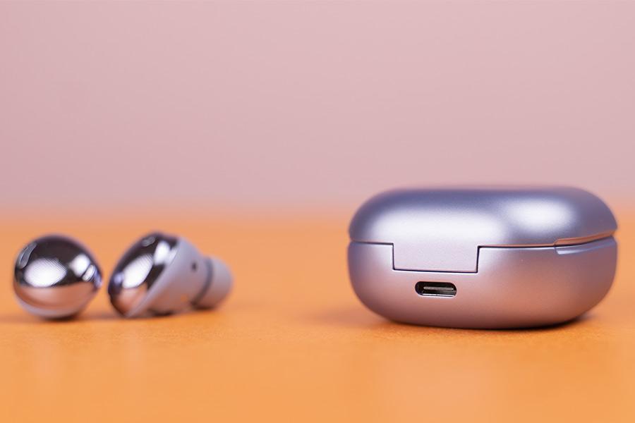 Buds Pro - USB-C port