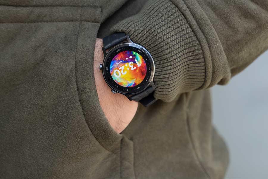 Realme Watch S - Wearing