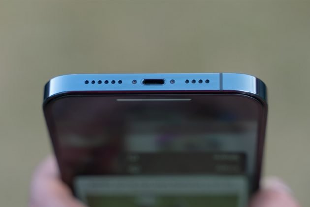 iPhone 12 Pro Max - Lightning Port, Speaker Grille