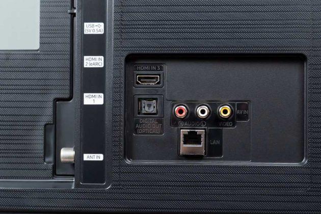Samsung TU8000 55 4K TV - Ports 1