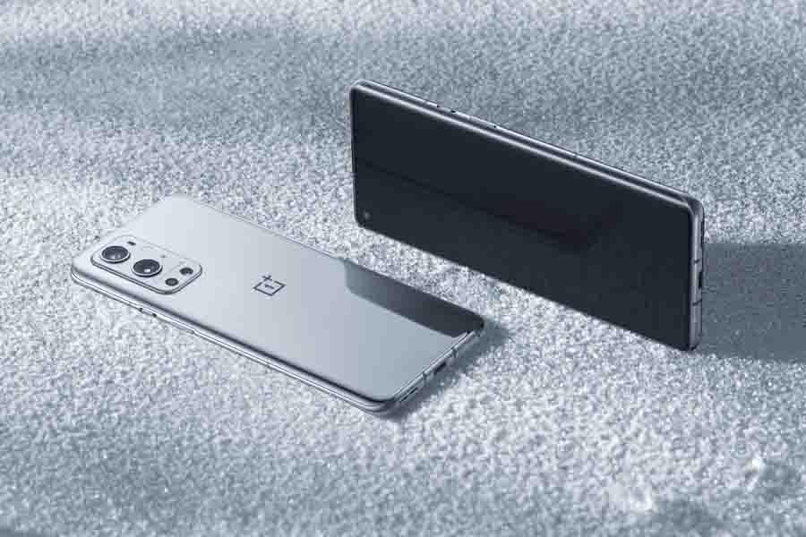 OnePlus 9 Pro Morning Mist Design Display