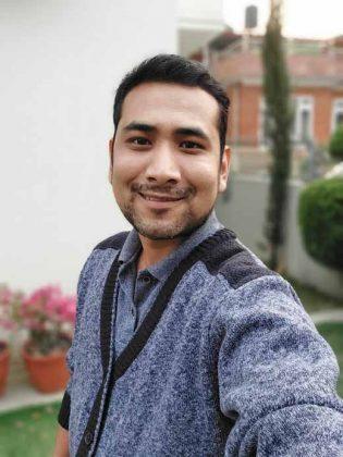 Samsung Galaxy A72 - Portrait Selfie 2