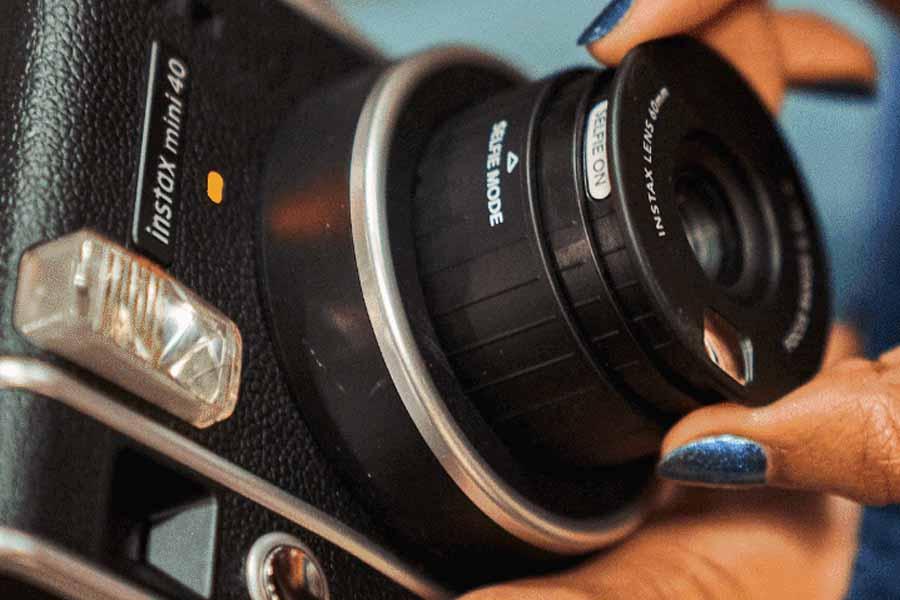 Fujifilm Instax Mini 40 lens