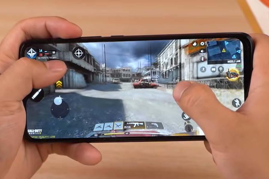 Hot 10 Play - Gaming