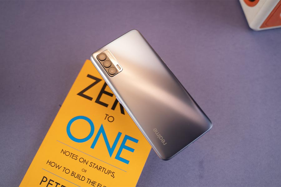 Realme X7 - Design 1