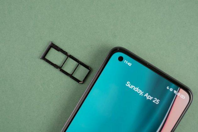 Realme 8 Pro - SIM slot
