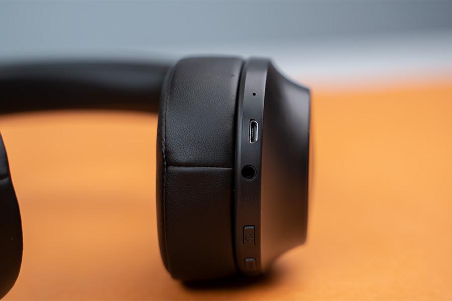 Nokia E1200 - Ports Essential Wireless Headphones Review