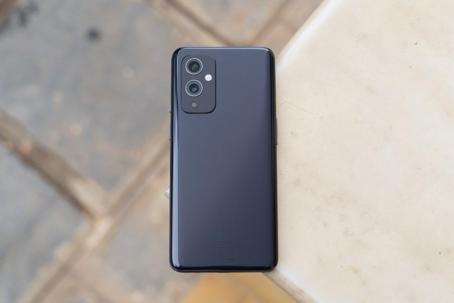 OnePlus 9 - Design 1