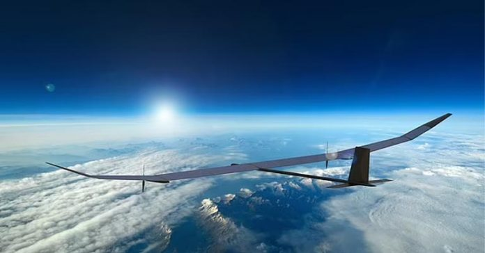 PHASA-35 flies 70000 ft for a year drone solar