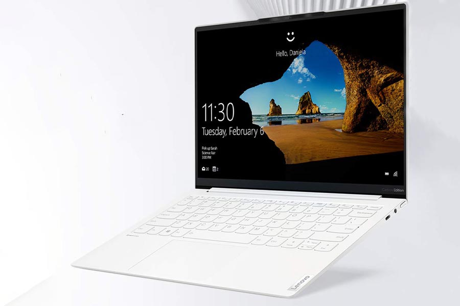 Lenovo Yoga Slim 7 Carbon Design Display