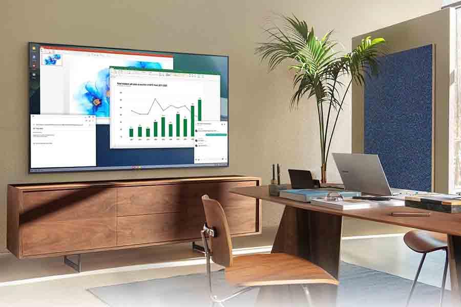 Samsung AU7700 Crystal 4K UHD TV Smart Features